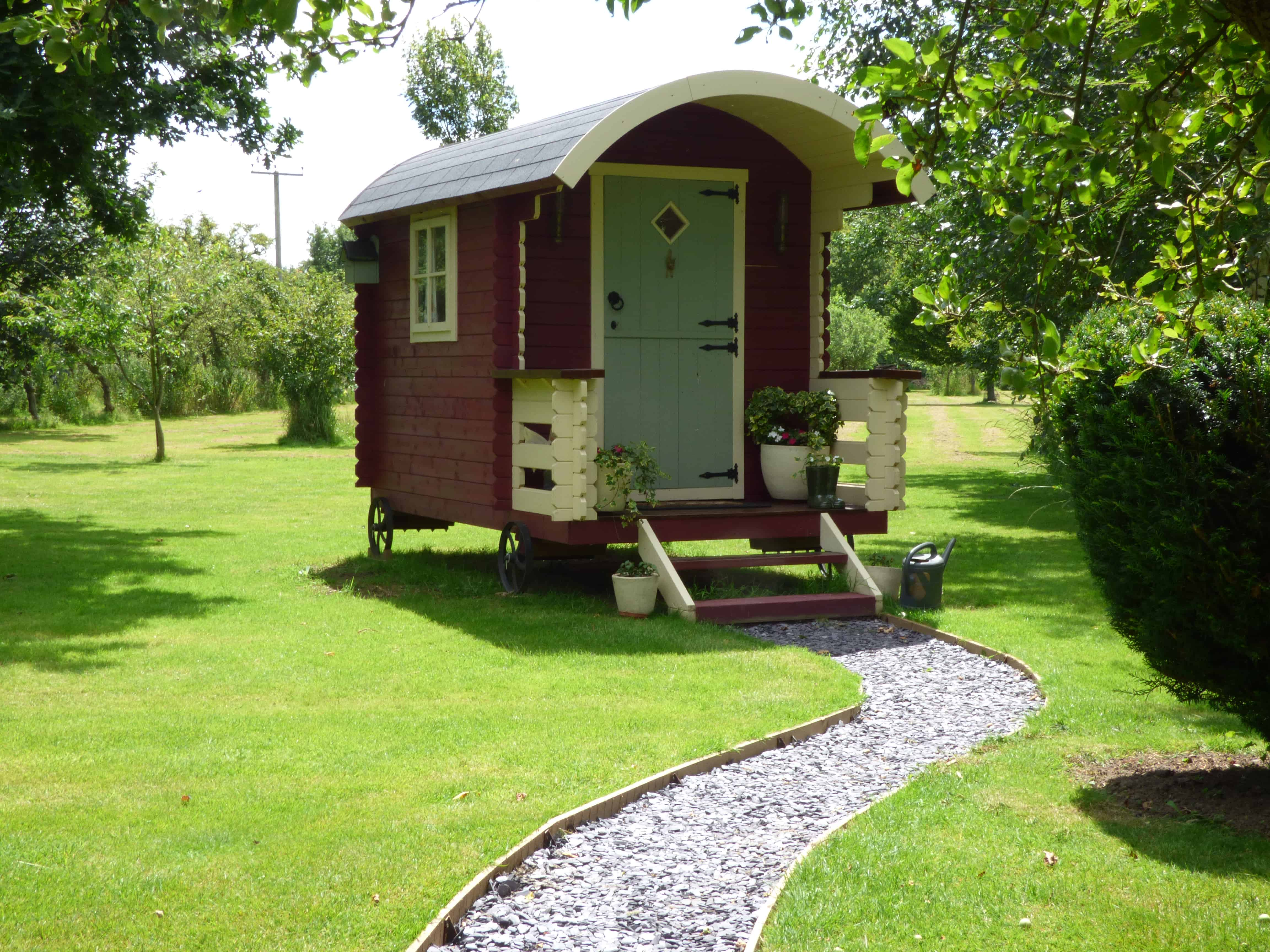 colchester holiday cottages shepherds hut